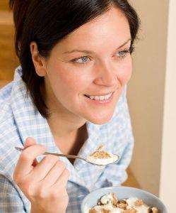donna_yogurt_cereali