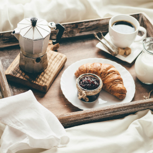 Prima colazione io comincio bene storie curiosit e - Vassoio colazione letto ...