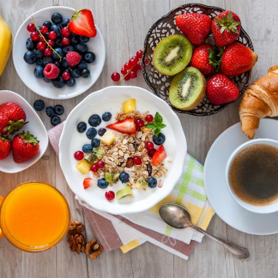 frutta_cornetto_caffe